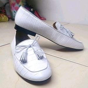 Ann Taylor White Patent Leather Slip On Flat Shoes